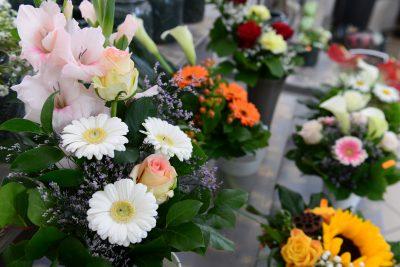 Frische Schnittblumen Weiß, Rosa, Gelb