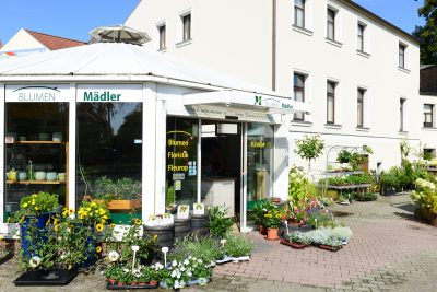Außenansicht vom Verkaufsgebäude Blumen Mädler